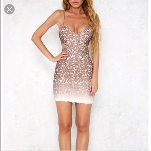 Ombré lace dress ✨ make me an offer!